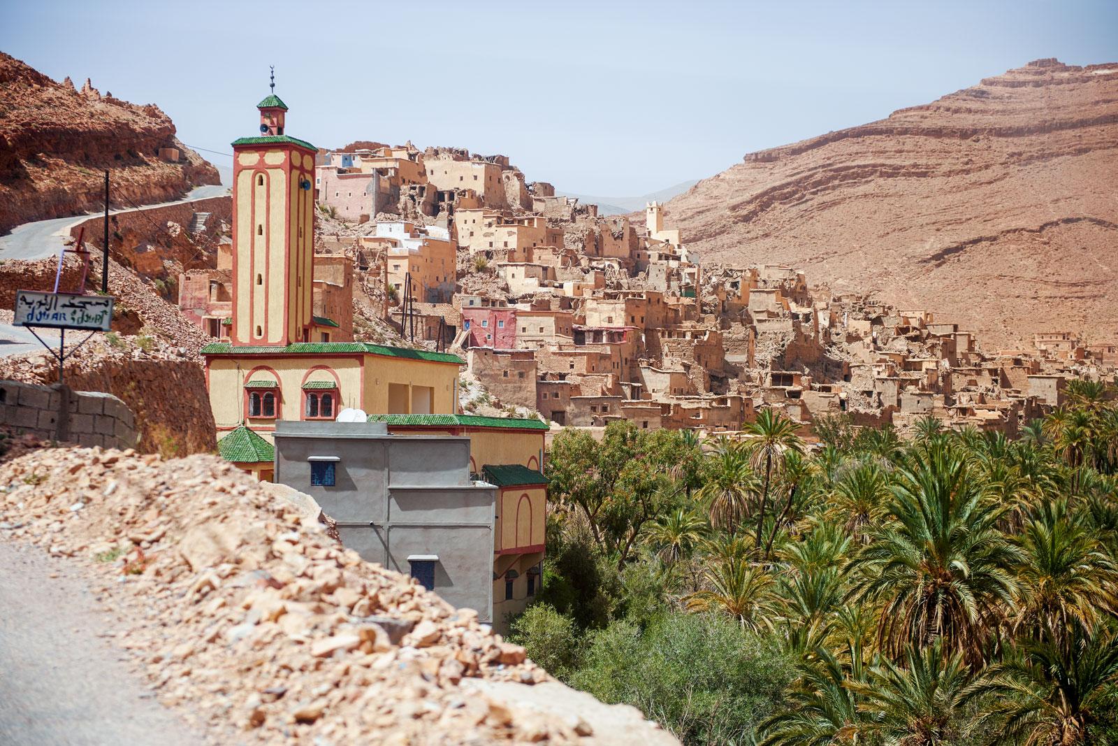 Bild einer Stadt in den Bergen des Antiatlas Gebirges in Marokko