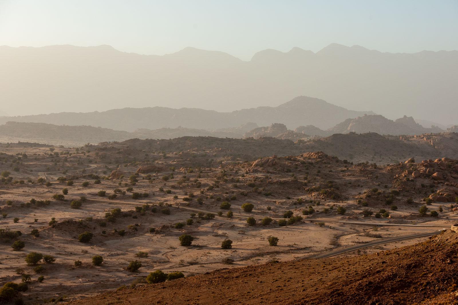Bild der Weite in den Bergen des Antiatlas Gebirges in Marokko