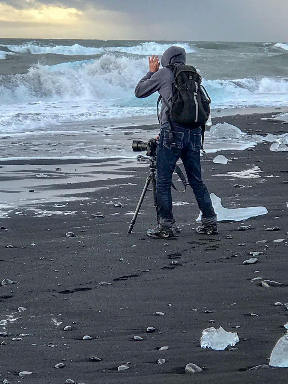 Fotograf bei Wind und Wetter am Eismeer